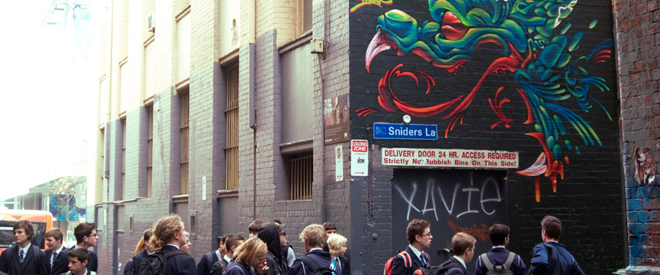 melbourne-street-tours_page-header-image_960x400_school-goups